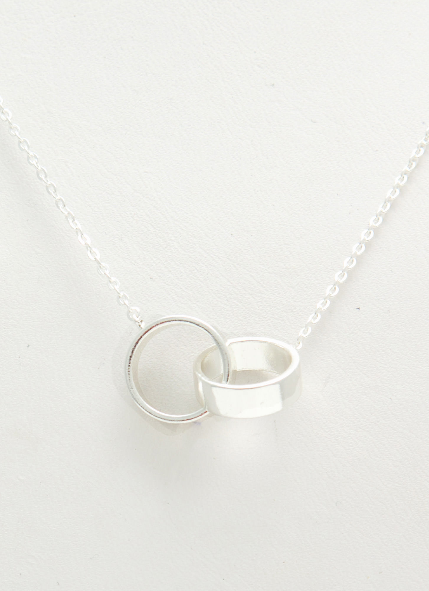 Double Linked Rings Necklace SILVER