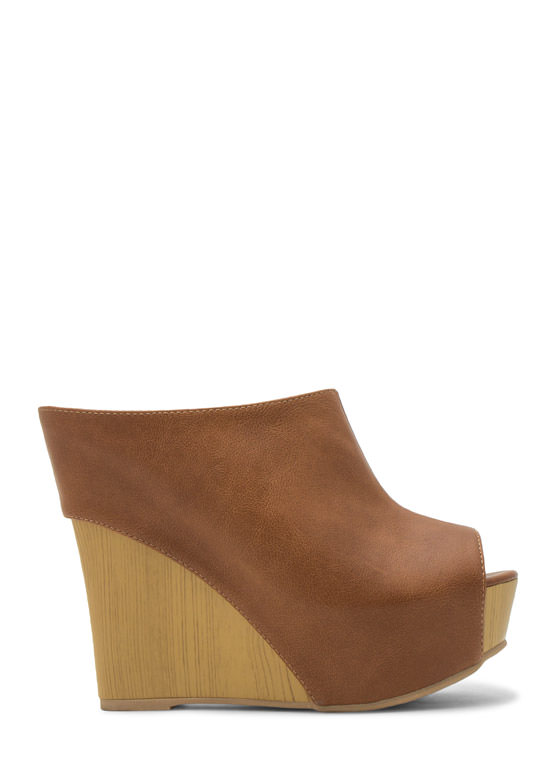 No Intro Faux Leather Mule Wedges COGNAC (Final Sale)