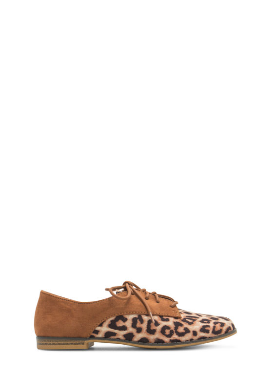 Reality Check Contrast Lace-Up Oxfords RUST
