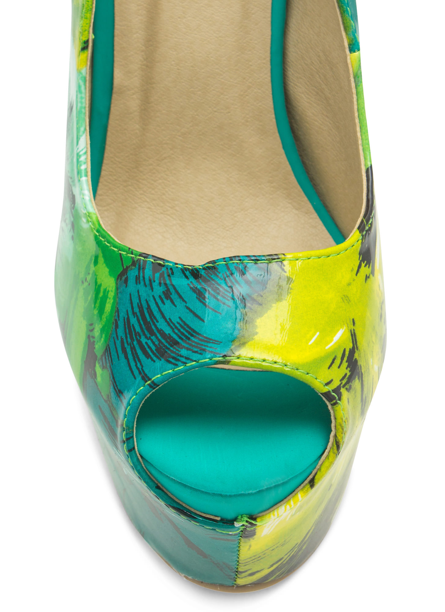 Abstract Masterpiece Platform Pumps GREEN