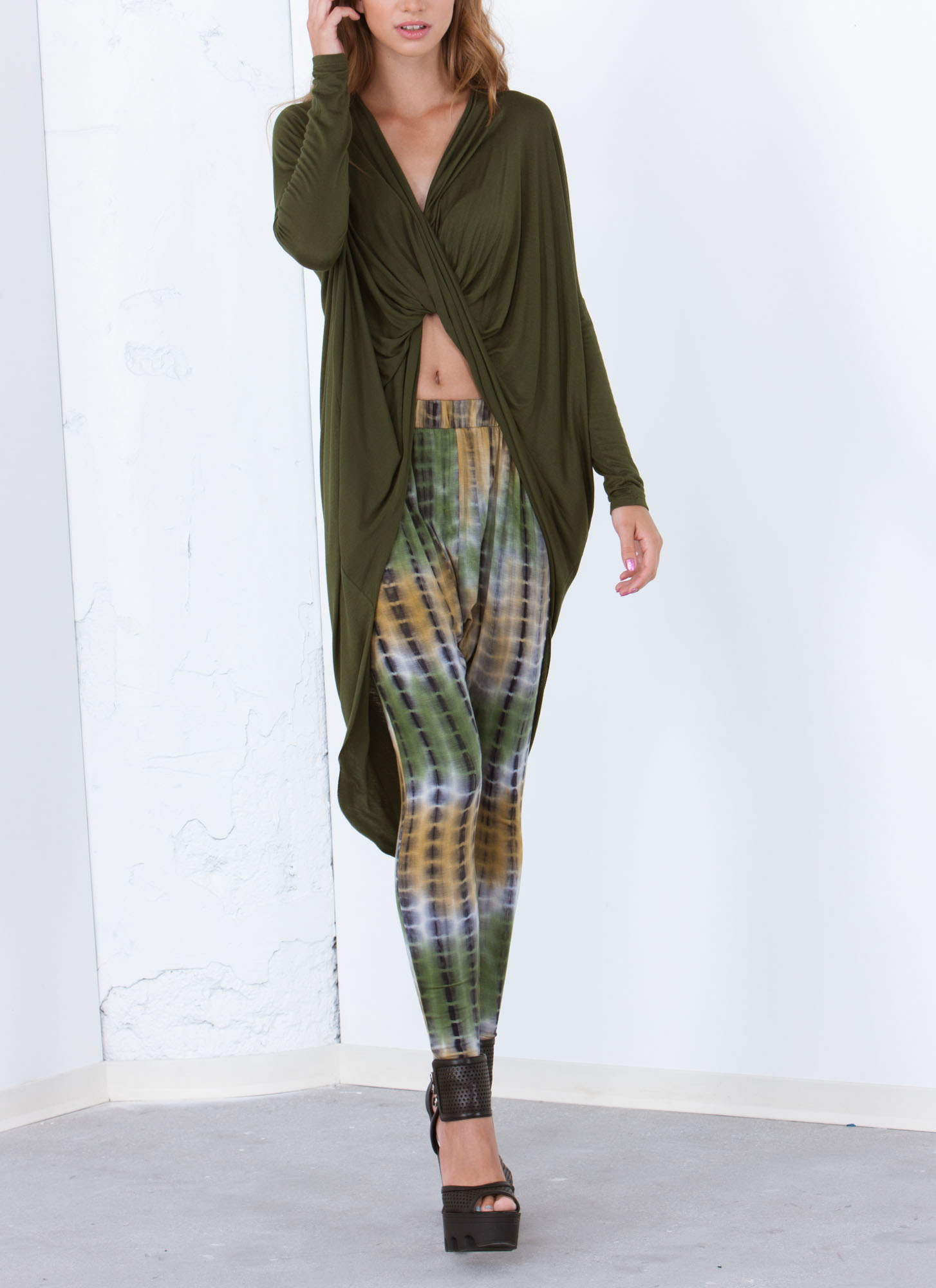 Get Twisted High-Low Top OLIVE