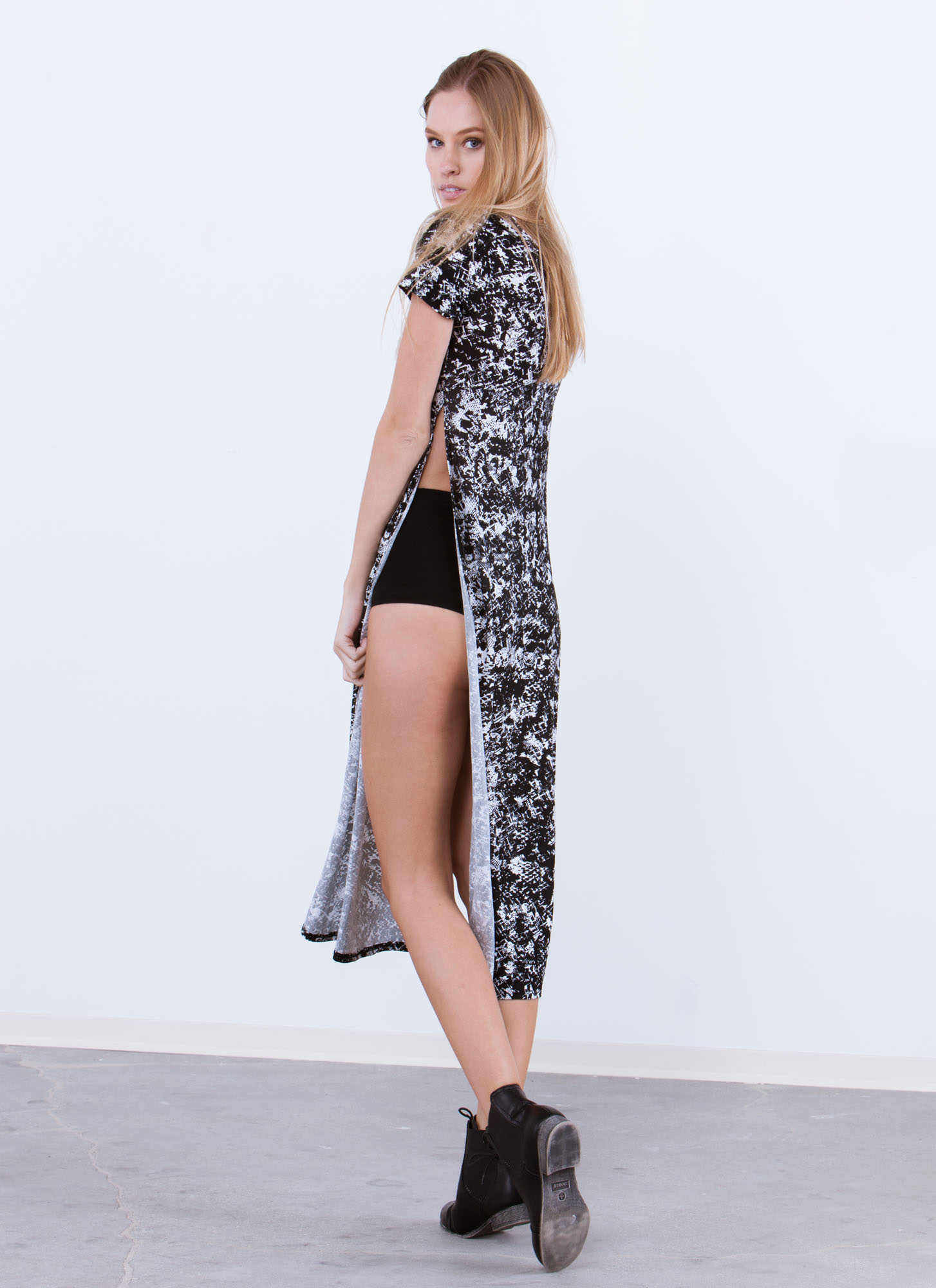 Controlled Chaos Double Side Slit Maxi BLACK