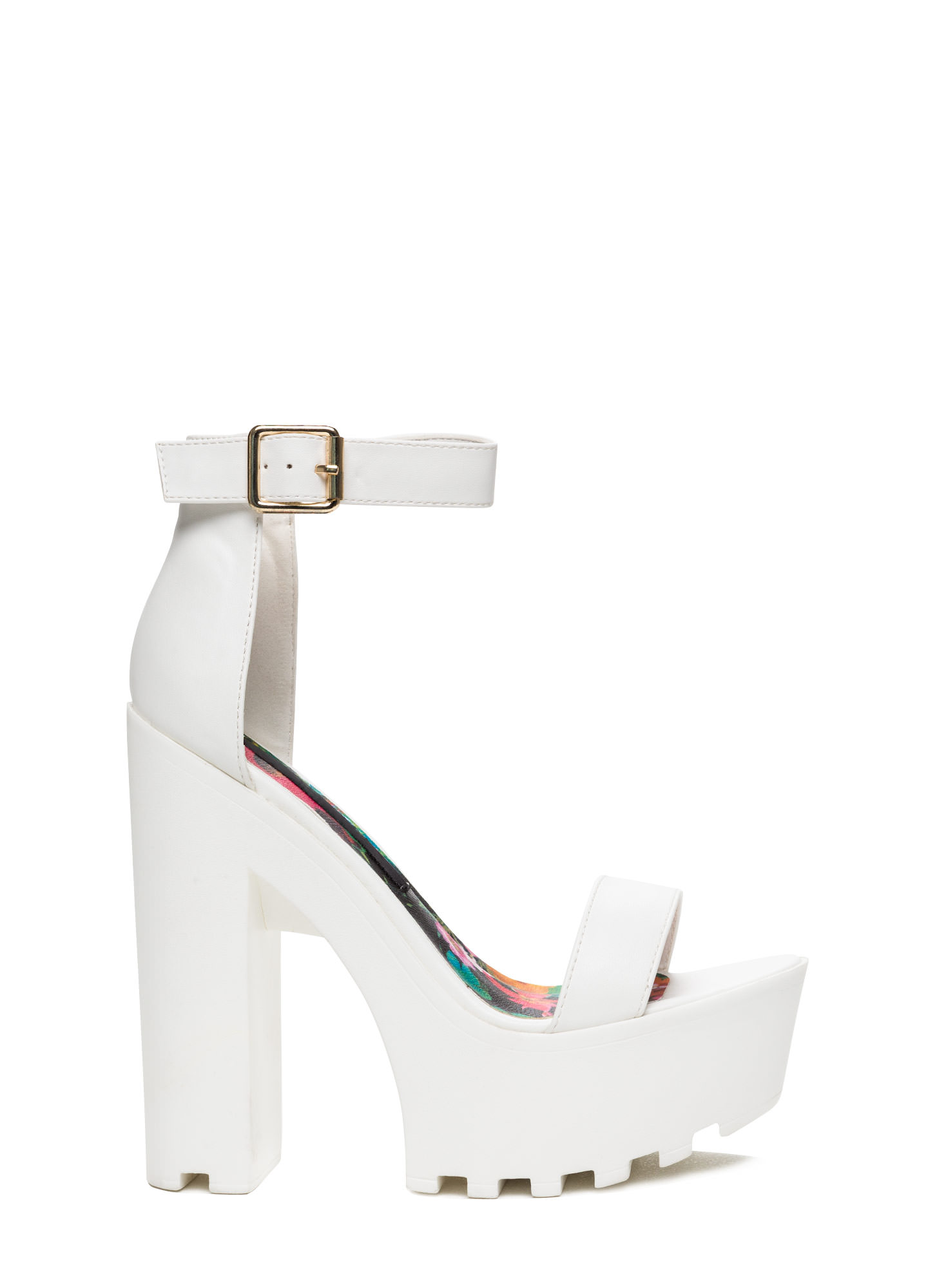 WHITE PLATFORM HEELS. 😍 on The Hunt