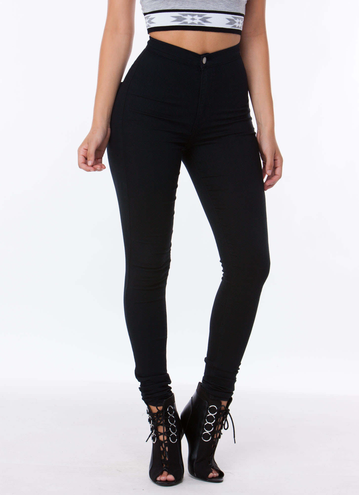 Jeggings Super tight from the waist to the leg, jeggings are bound to be your go-to. Their superbly soft, dreamy fabric and wide range of colors create the most comfortable and versatile design.