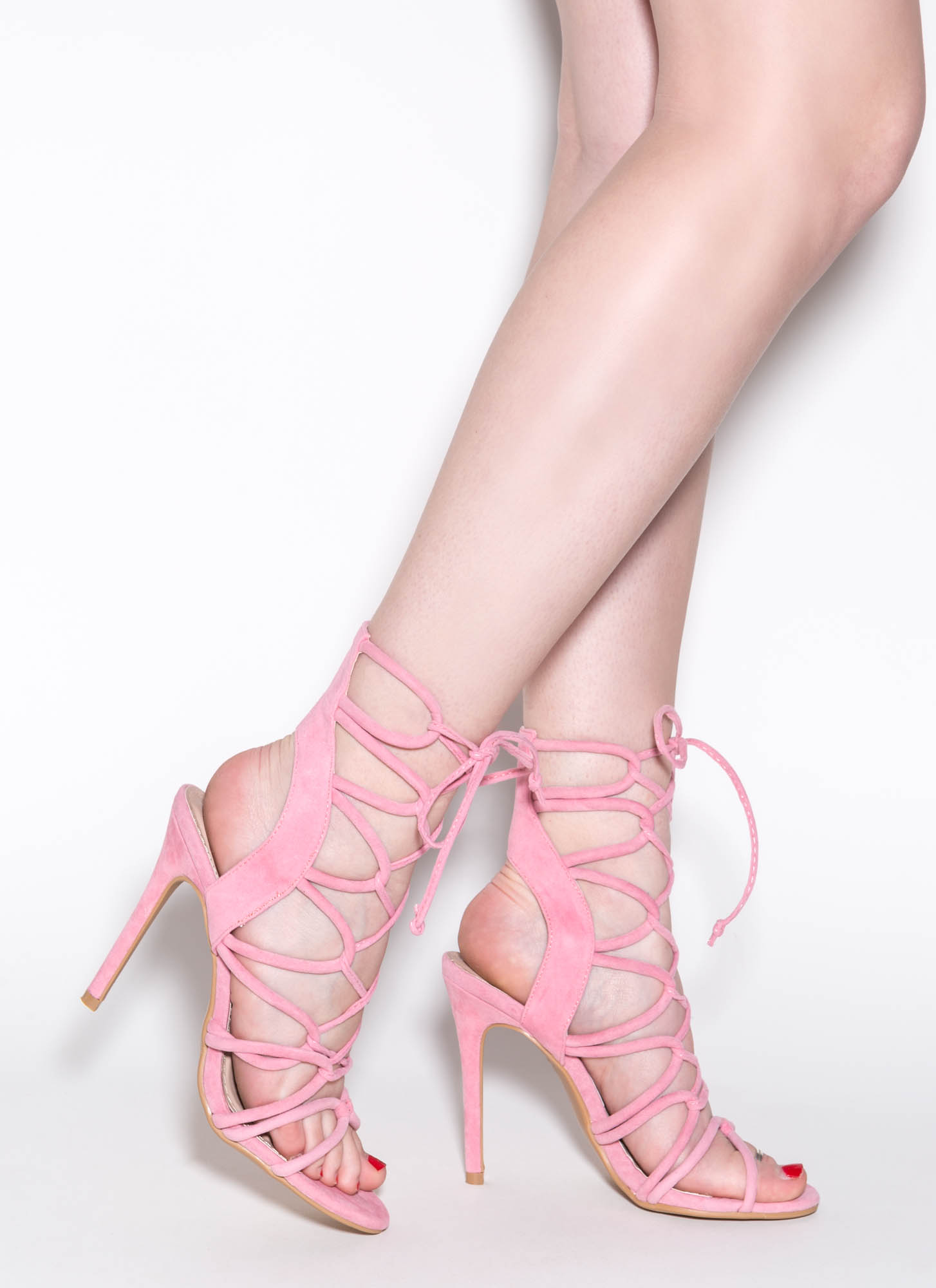 What To Wear With Light Pink Heels