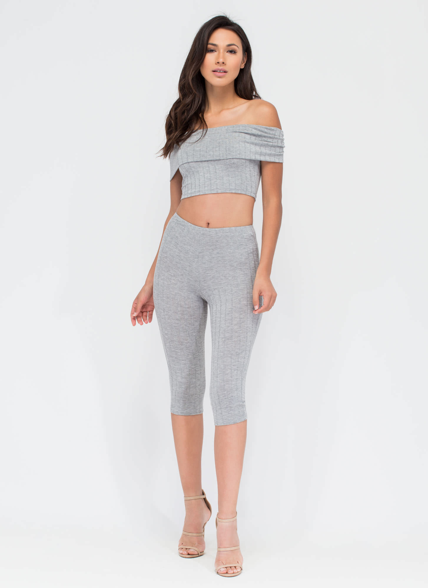 Show 'Em Up Ribbed Capri Leggings HGREY