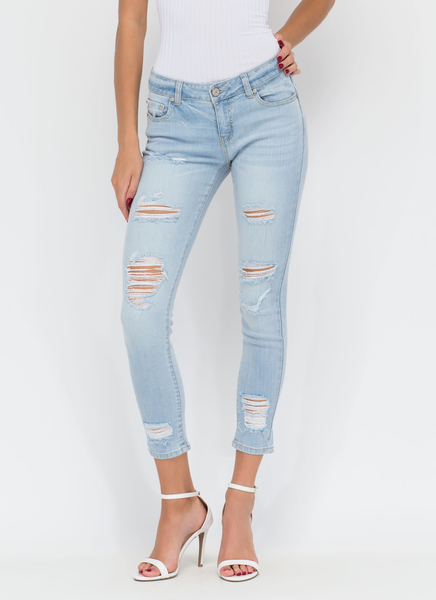 On The Fray Distressed Skinny Jeans LTBLUE