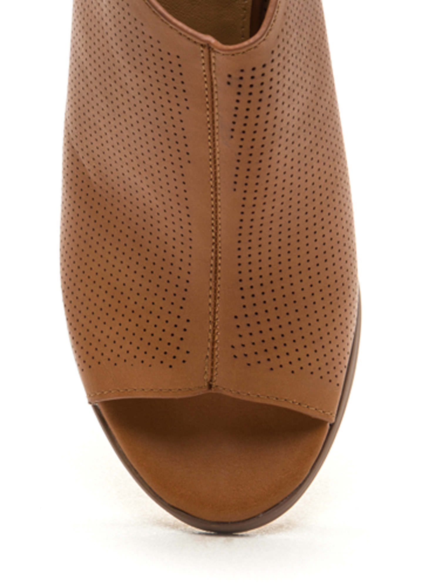You Make Me Hole Perforated Chunky Heels COGNAC