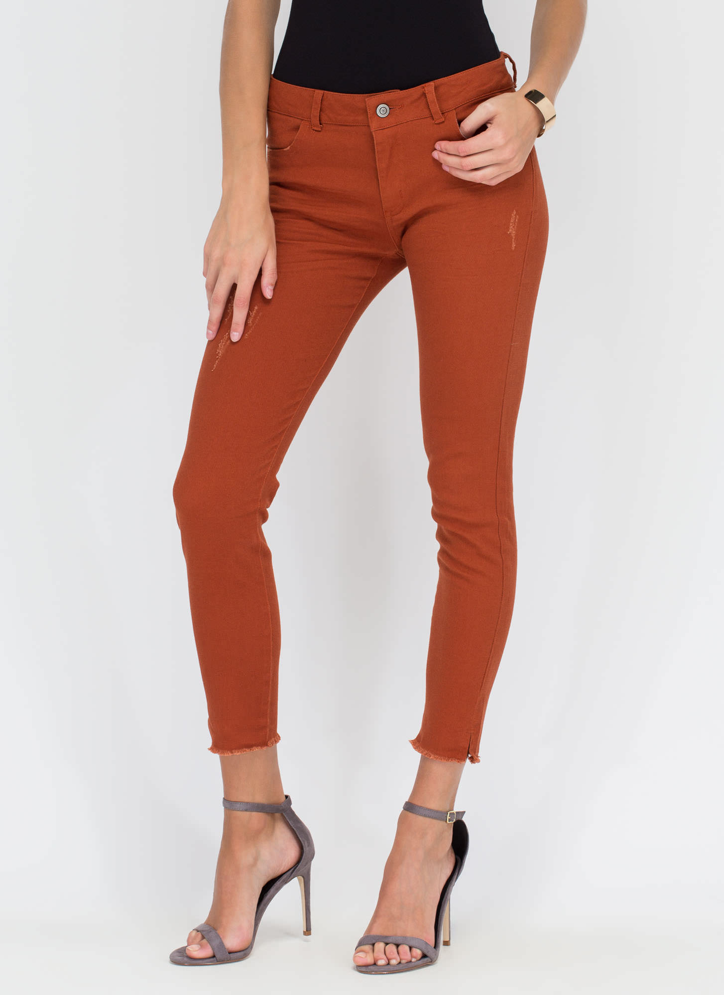 Make The Cut-Off Fringed Skinny Jeans RUST