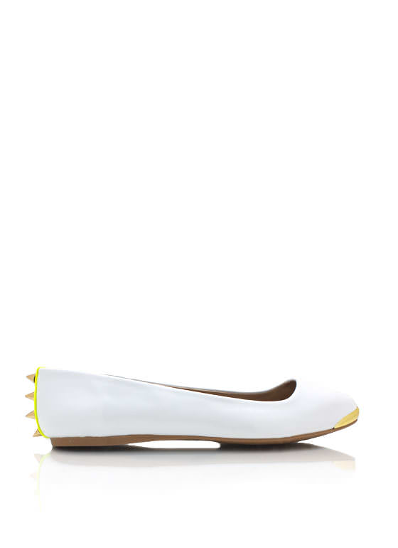 Spiked Pointy Toe Flats WHITE