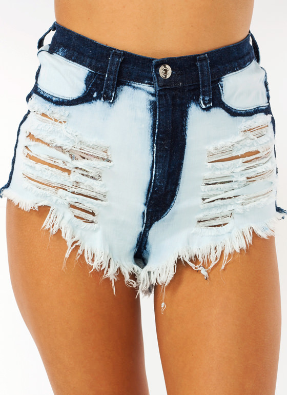 Bleached Out Distressed Shorts LTBLUE