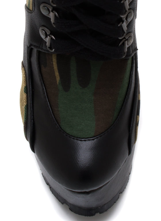 Report For Duty Booties CAMOUFLAGE