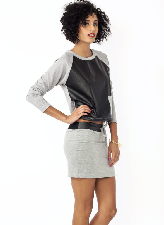 Pick A Pocket Raglan Top HGREY
