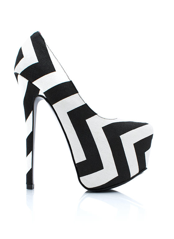 Point The Way Zigzag Platform Pumps BLACKWHITE