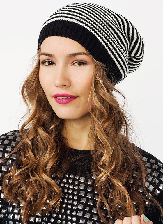 Make It Big Oversized Knit Beanie BLACKIVORY