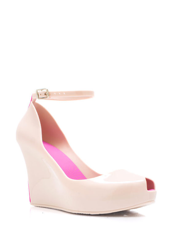 How Jelly Ru Wedges NUDE