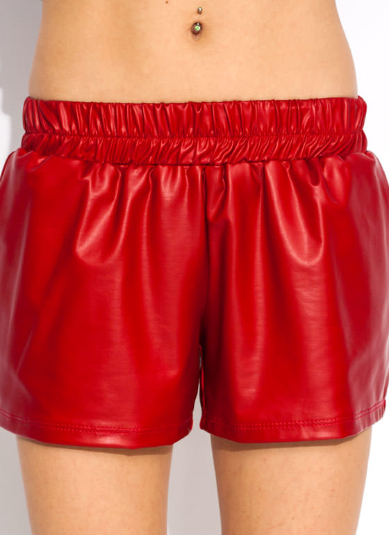 Coat On Jogger Shorts RED