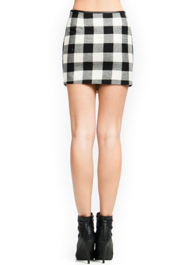 Get The Check Buckled Skirt BLACKIVORY