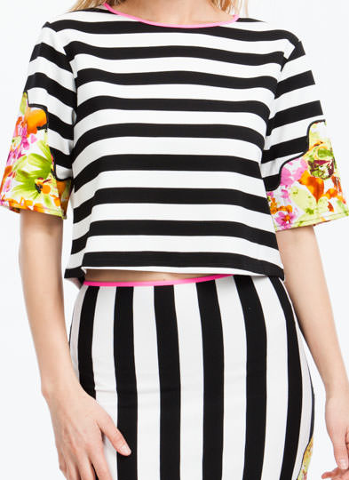 Floral Vs Stripes Tee BLACKWHITE
