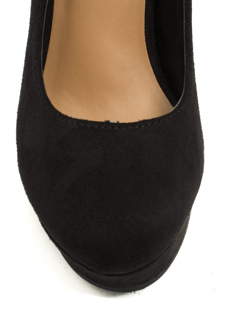Plain And Simple Faux Suede Wedges BLACK