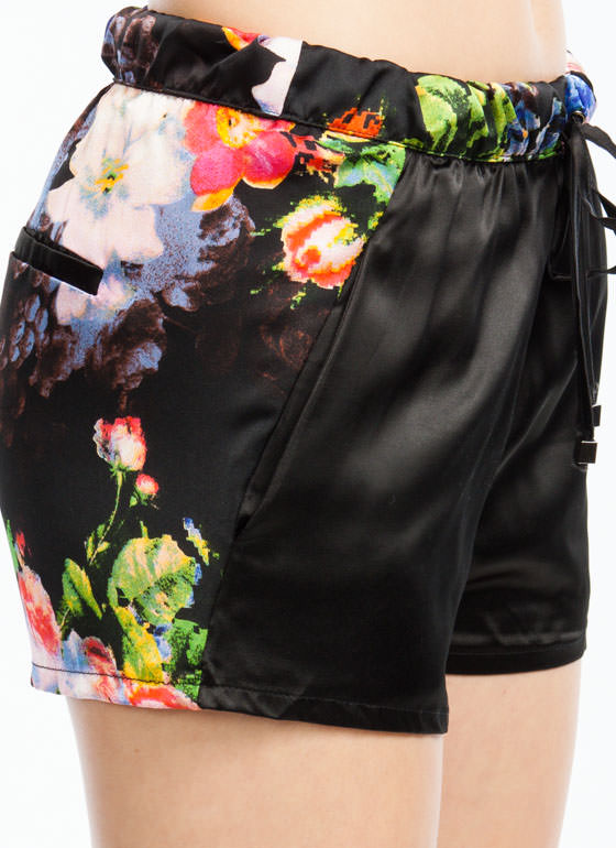 Pixelated Floral Contrast Shorts BLACK