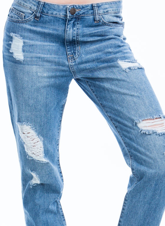 Perfectly Distressed Boyfriend Jeans LTBLUE