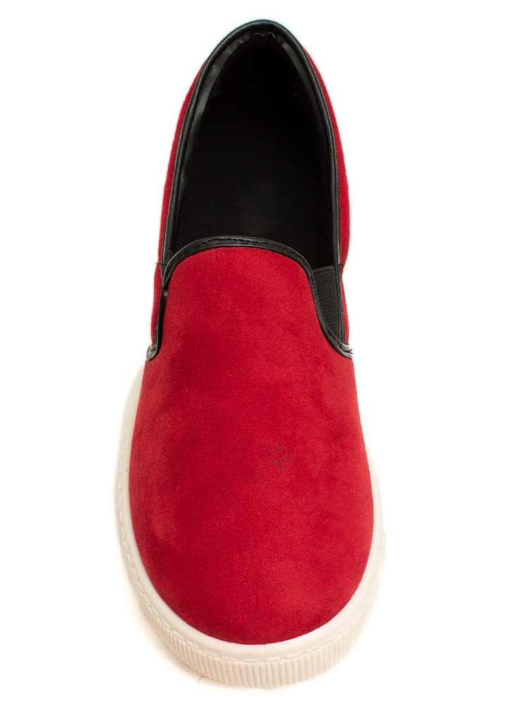 Round The Corners Skimmer Flats RED